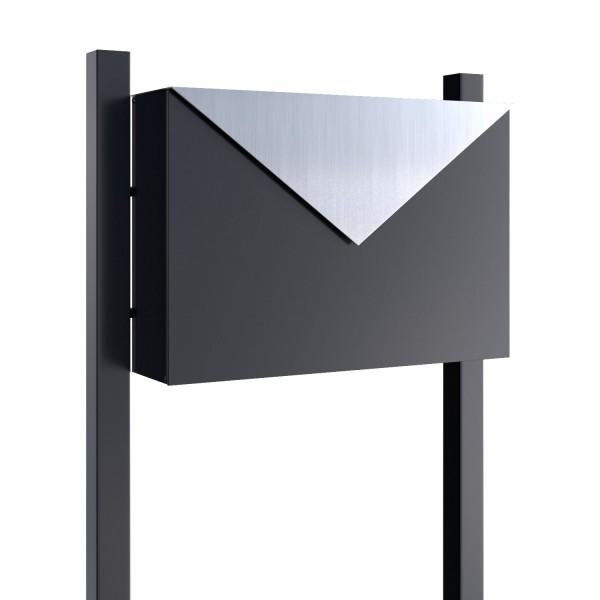 Vrijstaande brievenbus Letter Zwart met RVS inwerpklep